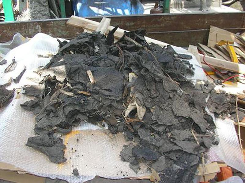 アスファルト廃材からのゴミ